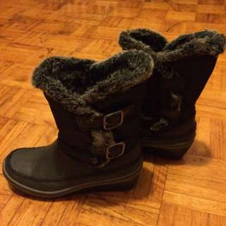 Sketchers Winter Boots Size 5.5