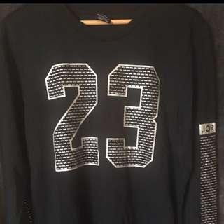 New W Tags Jordan Jumper BLK size: L