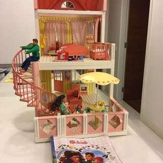 PENDING Lego Doll House