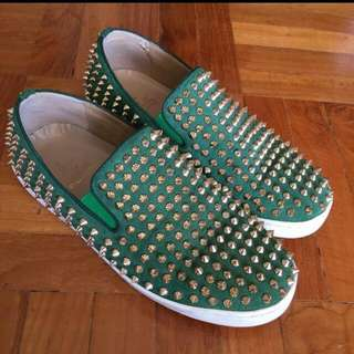 christian louboutin green rollerboat