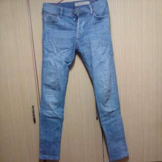 H&M窄管牛仔褲