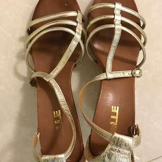 belle 鞋