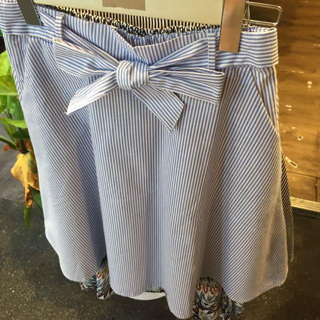 直條紋中長裙