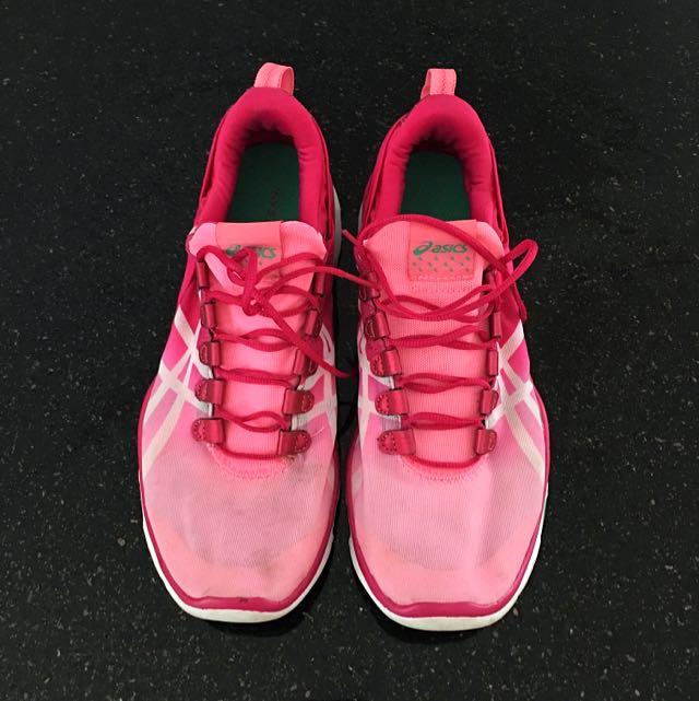 Asics womens Gel-fit Sana shoe Size9