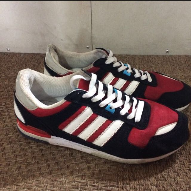 AUTHENTIC ADIDAS ZX700