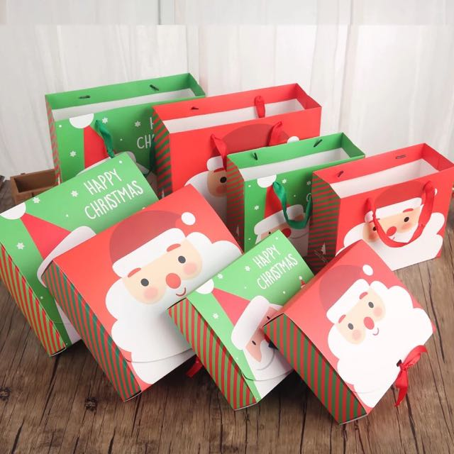 Chirstmas Gift Box With Paper Carrier Bags