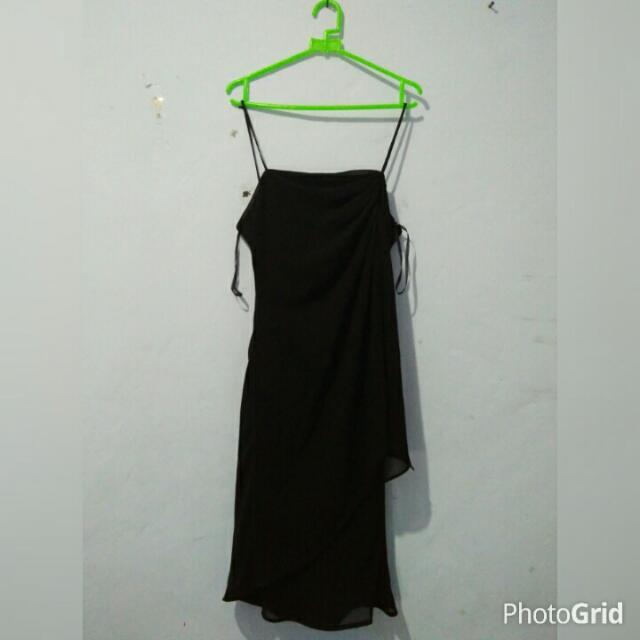 Dress Hitam Pendek