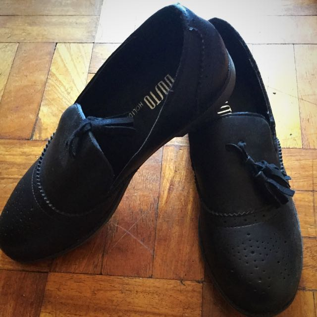 Dusto Holiday Shoes.