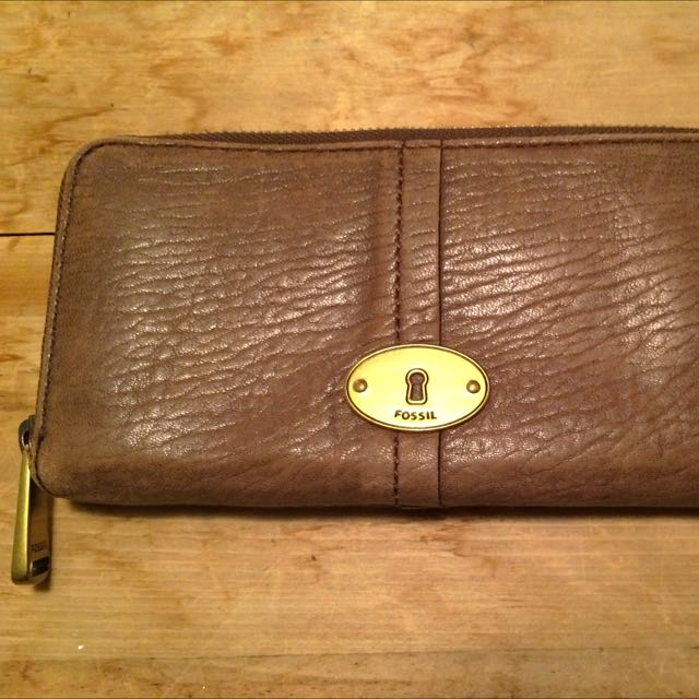 Fossil Leather Wallet (Quinn Collection)