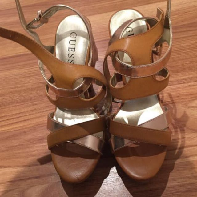 Guess Authentic Heel Shoes Size 7 Or 6