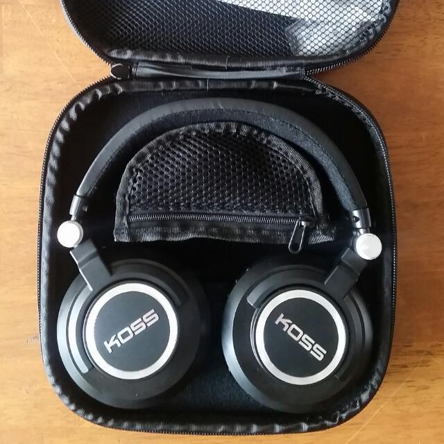 KOSS BT540i Wireless Bluetooth Headphones
