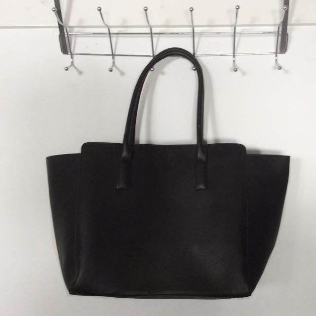 NEVER USE NEW Black Hand bag h&m
