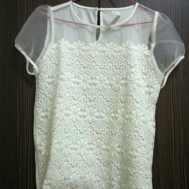 Pazzo白色透膚花蕾絲氣質上衣