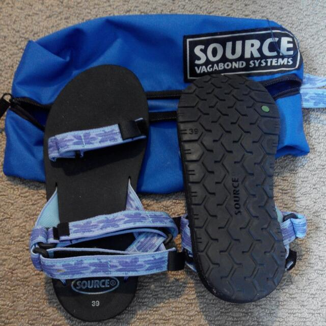 Source Sandals. Worn once only. Size 39 Probably Fits Size 7 Us Feet