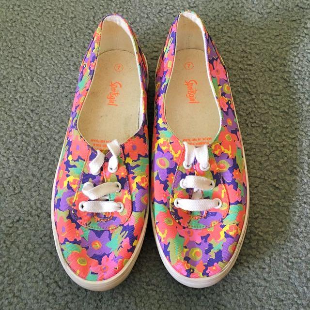 Sportsgirl - Canvas Sneaker, size 7