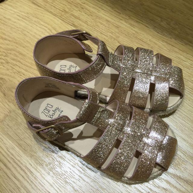 Zara Baby Girl 金色亮粉膠面涼鞋