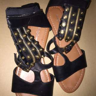 GLADIATORS SANDAL