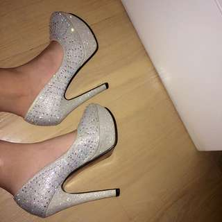 FORMAL HEELS ONLY WORE ONCE