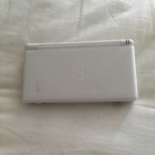 White Ds Lite With Charger And 2 Pens