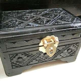 Kotak Perhiasan Kayu Ukuran Kecil