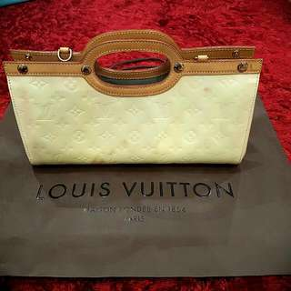 Authentic Louis Vuitton Perle Vernis Monogram Patent Leather Roxbury Drive With Gift Bag