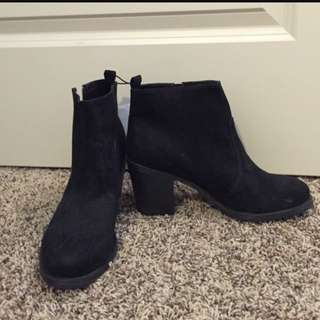 H&M Suede Ankle Boot