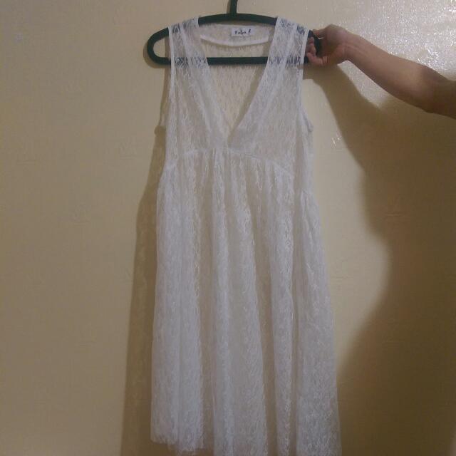 純白蕾絲洋裝