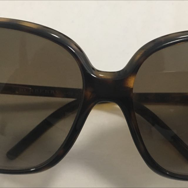 authentic burberry sunnies