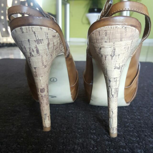 Girl Express Tan/wooden Style Heels