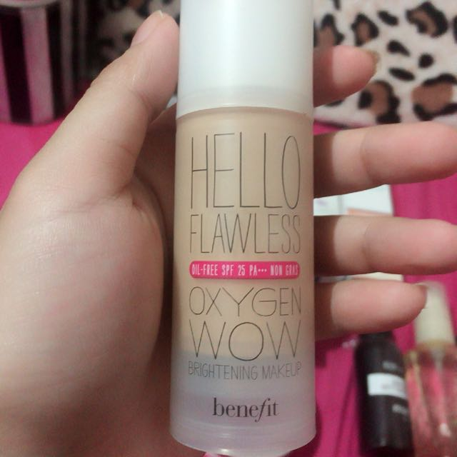 Hello Flawless by Benefit