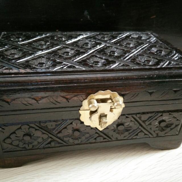 Kotak Perhiasan Kayu Ukuran Sedang