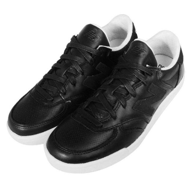 New Balance 黑 白 皮革 基本款 24.5