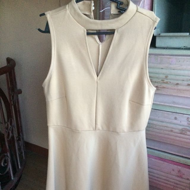 nude/brown brandnew dress