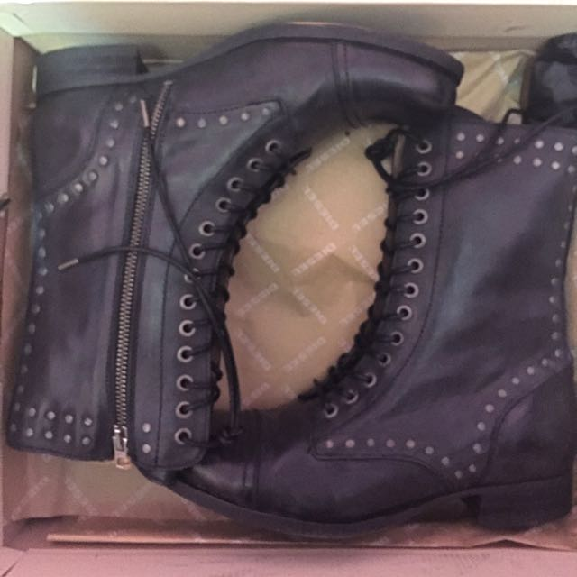 Size 7.5 Diesel Boots