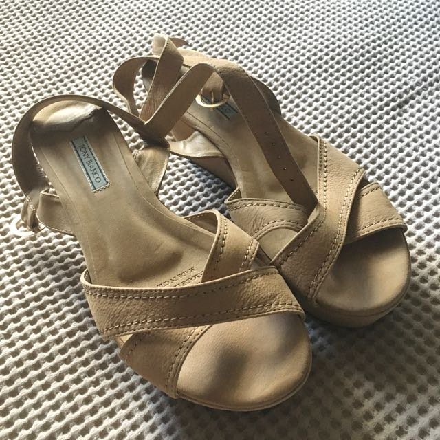 TONY BIANCO Wedges Size 8