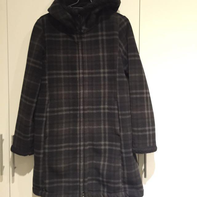UNIQLO黑色格子長版外套