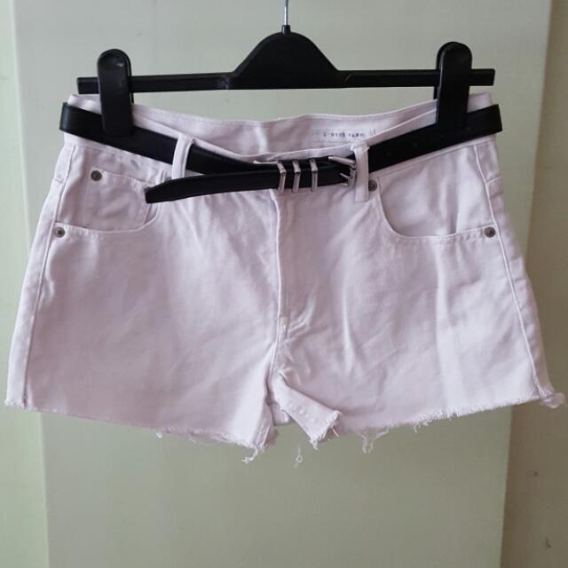 🔴🔴 #sale 50% off White Denim Shorts (Lowry's Farm) $4 (U.P. $8)