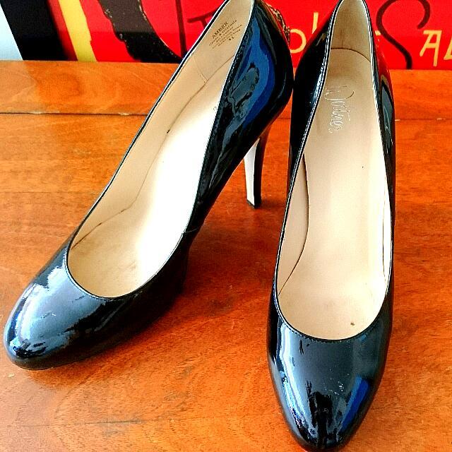 Wittner Black Heels