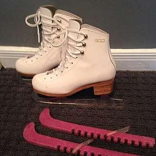 GAM Figure Skates