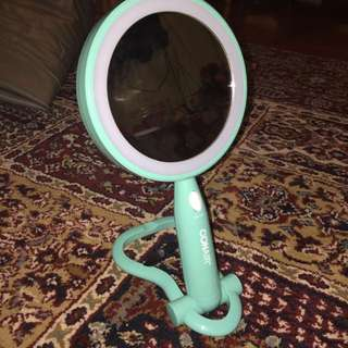 Conair Led Round Mirror With Two Lenses