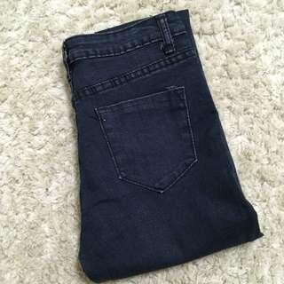 灰黑中高腰直筒小腳褲