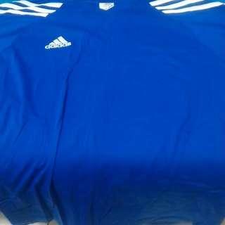 九成新,藍色愛迪達短衫