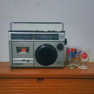 SANYO RADIO CASSETTE FREE VINTAGE GLASSES