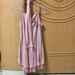 粉紅背心洋裝