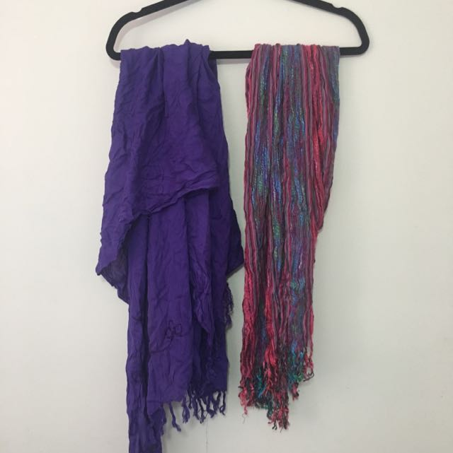 2 X Ladies Scarfs