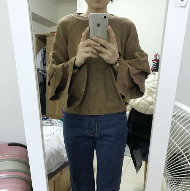 棕色🏾荷葉袖毛衣(全新)