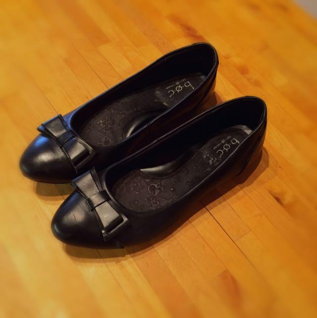 Black Leather Flats Size 6 1/2