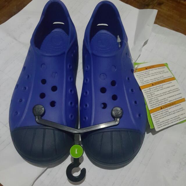 Brand New & Authentic Crocs Bump It Shoe K