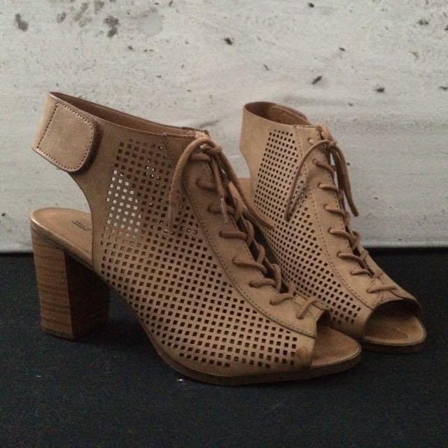 Call It Spring Heels (8)