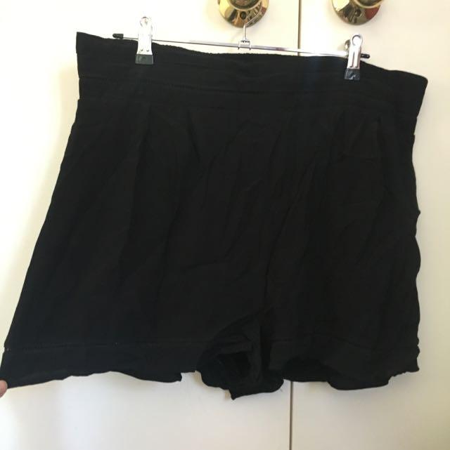 Glassons Flowy Shorts